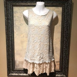 Tops - Lace Tank Top Sleeveless Embroidered Size L